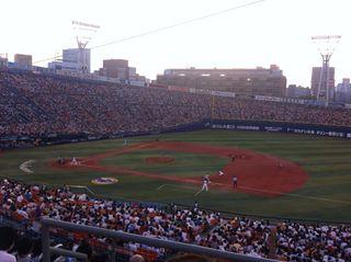 6時開始のまだ明るい横浜スタジアム