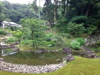 円覚寺境内の庭園