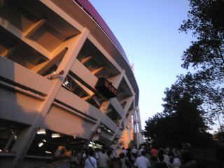 横浜スタジアムの内に入ると否が応にも気持ちが高まってきます